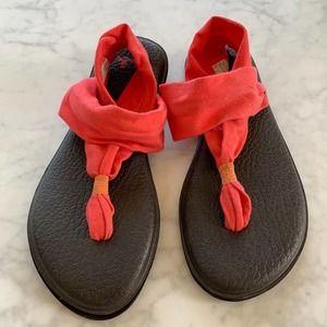 Sanuk Yoga Sling Sandals in Coral Pink - 10